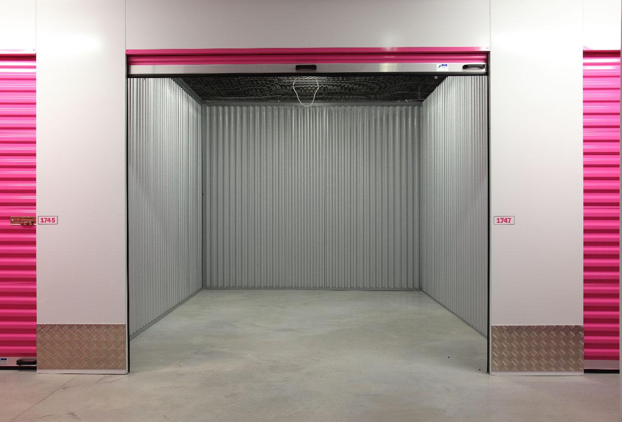 Bútor raktár az Euro Mini Storage-nál